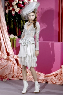 christian-dior-couture-spring-2010-14