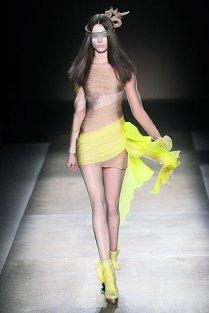 valentino - spring couture 2010 - got sin 01