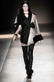 valentino - spring couture 2010 - got sin 09
