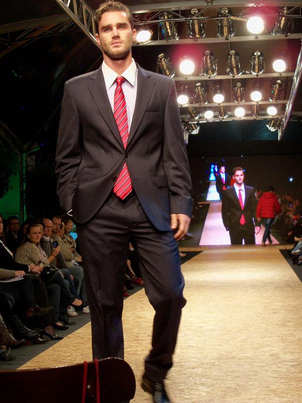 6ca160a654 Iguatemi Serra Fashion 2011 – dia 1 – got sin?