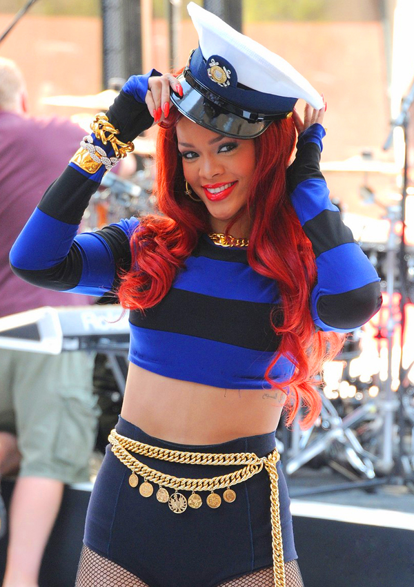 rihanna-today-show-listras-hot-pant-got-sin-01.jpg (600×850)