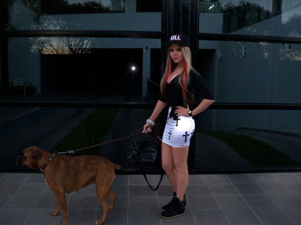 sininhu-sylvia-santini-meu-look-blog-got-sin-saia-cruz-gotica-bone-snapback-balenciaga-bag-bolsa-sneaker-wedge-red-hair-24