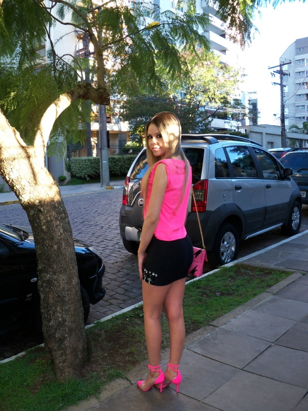 sininhu-sylvia-santini-meu-look-saia-bandage-chris-evert-cristais-pedraria-pedras-blog-moda-neon-rosa-barbie-got-sin-01