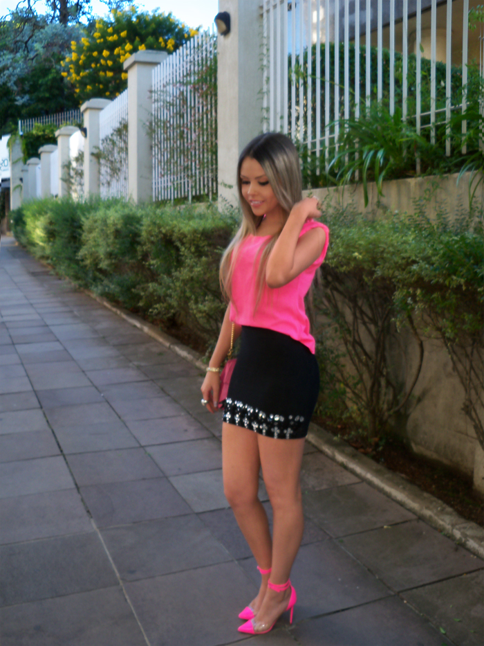 sininhu-sylvia-santini-meu-look-saia-bandage-chris-evert-cristais-pedraria-pedras-blog-moda-neon-rosa-barbie-got-sin-02