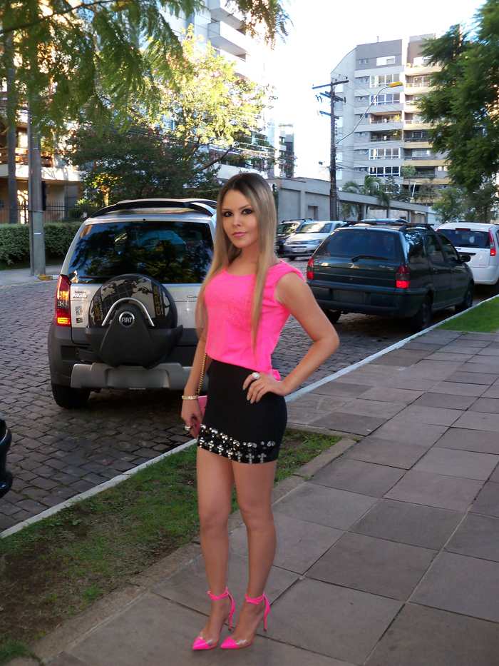 sininhu-sylvia-santini-meu-look-saia-bandage-chris-evert-cristais-pedraria-pedras-blog-moda-neon-rosa-barbie-got-sin-09