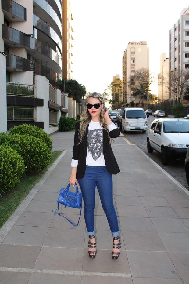sininhu-sylvia-santin-meu-look-blog-got-sin-camiseta-fuin-fly-ship-lobo-mau-lobisomem-estampa-animal-blazer-sapato-louboutin-bolsa-fernanda-gregorin-calça-jeans-zara-asos-óculos-sol-moda-fashion-04
