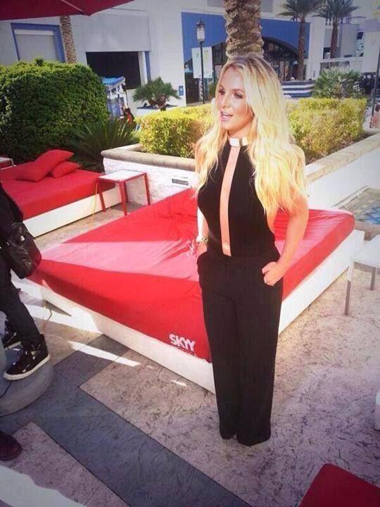 britney-spears-gma-good-morning-america-live-interview-entrevista-work-bitch-03