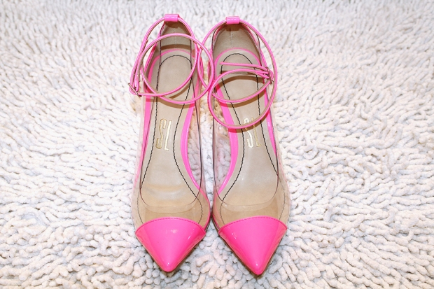 rainbow-tag-blog-got-sin-rosa-pink-neon-sapato-santa-lolla-plastico-capt-toe3