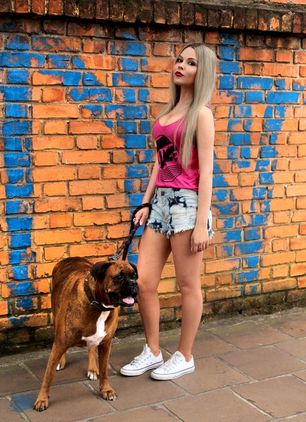meu-look-amo-glace-sininhu-sylvia-santini-blog-got-sin-como-usar-shorts-chintura-alta-regata-rosa-01