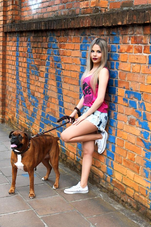 meu-look-amo-glace-sininhu-sylvia-santini-blog-got-sin-como-usar-shorts-chintura-alta-regata-rosa-02