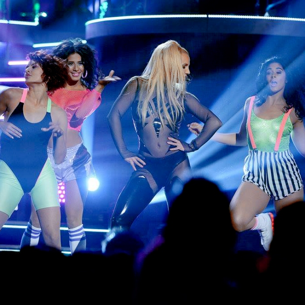 britney-spears-iggy-azalea-performance-vídeo-billboard-music-awards-2015-blog-got-sin-07