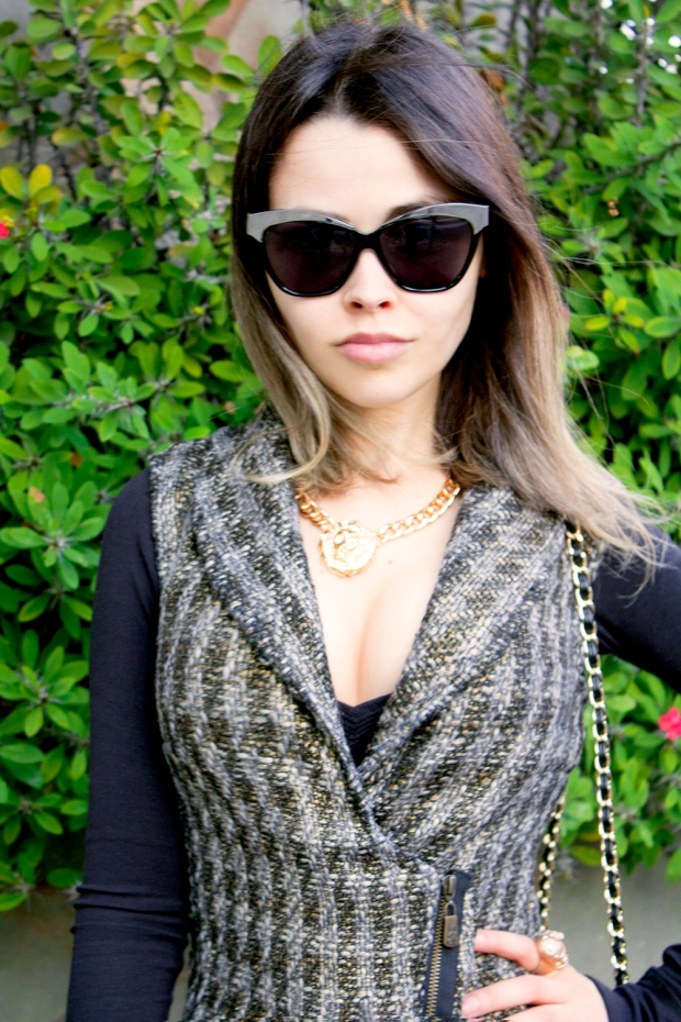 sininhu sylvia santini meu look cabelo curto colete tweed calça de couro dourado preto john john bolsa chanel blog got sin 30