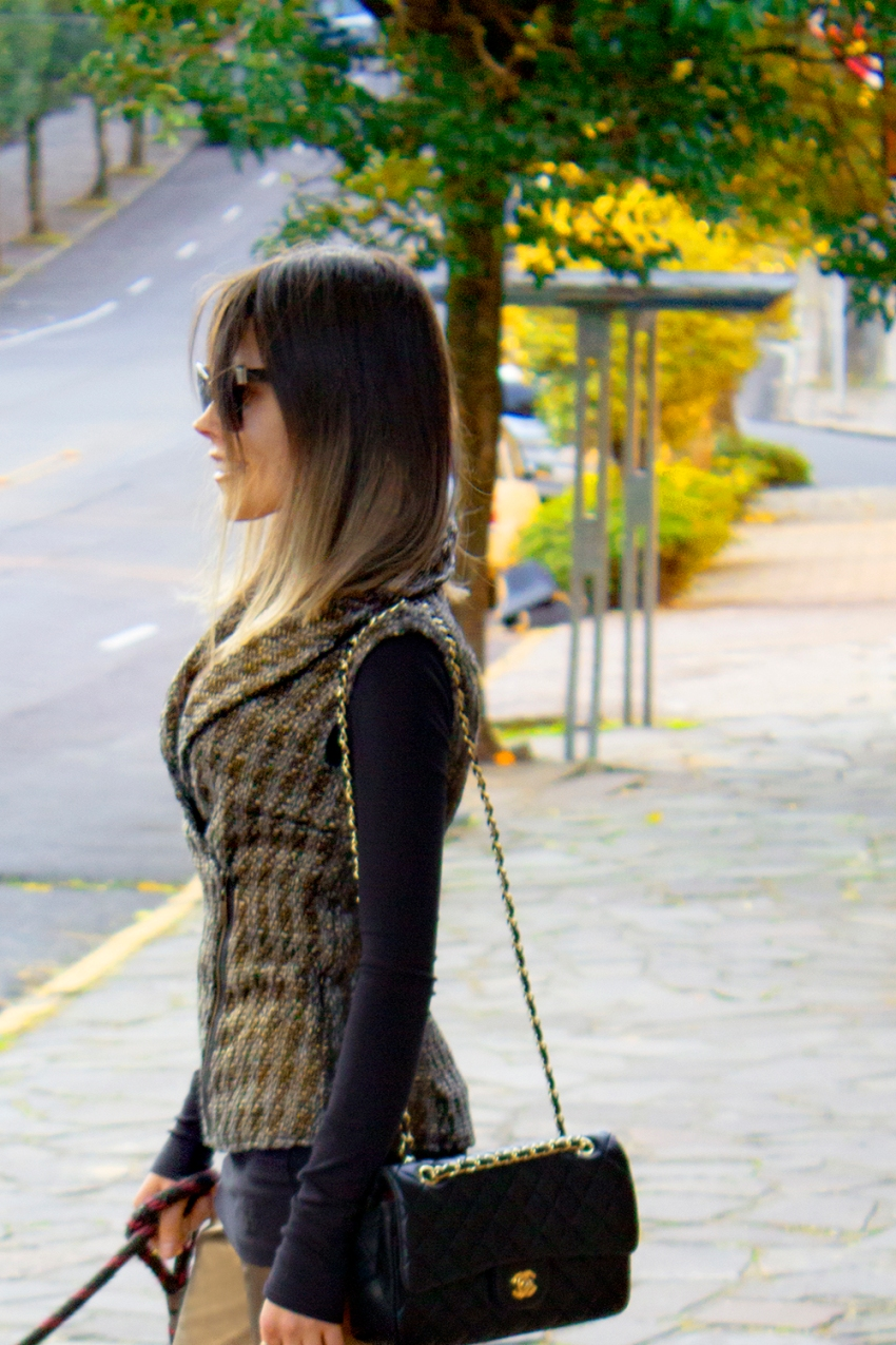 sininhu sylvia santini meu look cabelo curto colete tweed calça de couro dourado preto john john bolsa chanel blog got sin 49