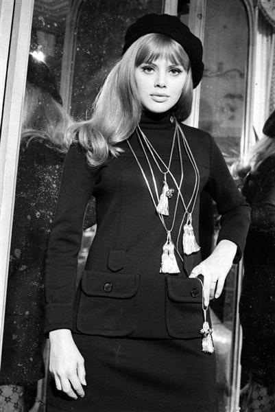 historia das boinas britt ekland 1974 moda blog got sin 2