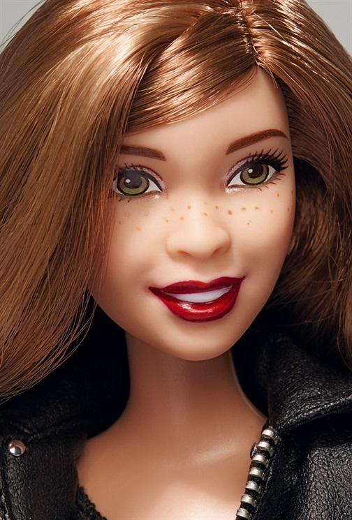 Barbie global beauty beleza global cutstomizadas vogue italia estilistas italianos blog got sin 23