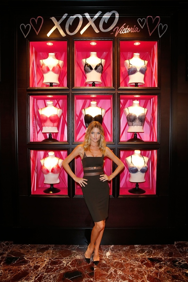 Martha-Hunt-Victorias-Secret-San-Diego-Store-Event-blog-got-sin-01