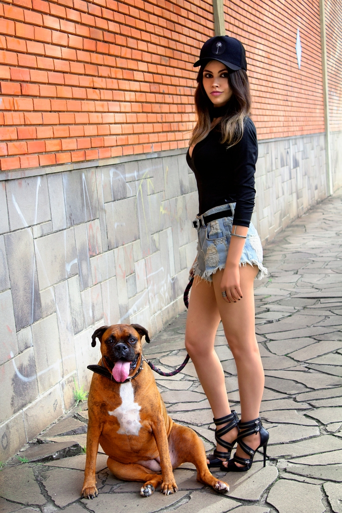 sininhu sylvia santini meu look blog got sin choker top rocker sandália schutz ziper shorts jeans cintura alta como usar boné stay irie moda sustentável 06