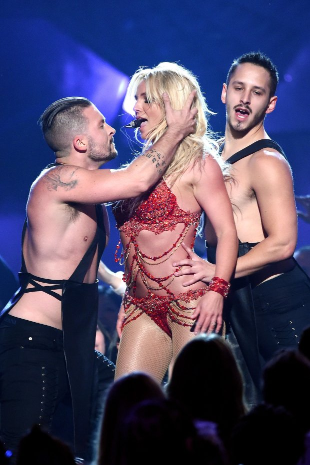 Britney Spears Billboard Music Awards 2016 blog got sin 12