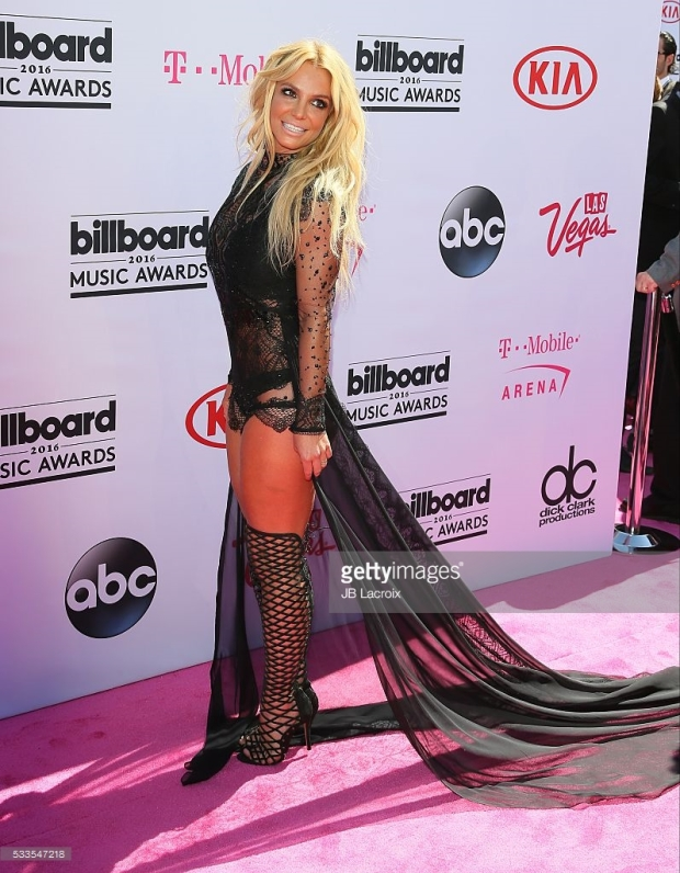 Britney Spears Billboard Music Awards 2016 - look Reem Acra - Millenium Award - blog got sin 08