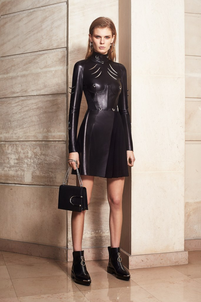 piercing-na-roupa-moda-tendencia-mugler-blog-got-sin-01