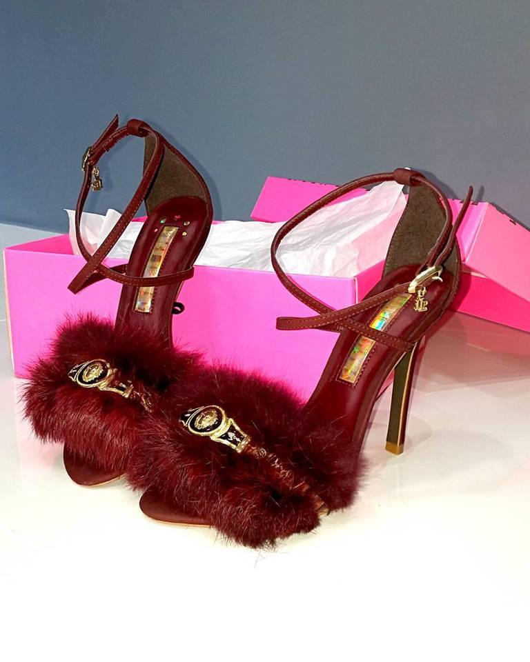 sapato-de-pele-fluffy-pelucia-plumas-lanca-perfume-blog-got-sin-01