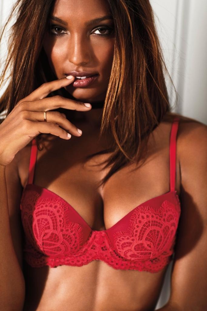 victorias-secret-valentines-day-2017-lingerie-campaign04